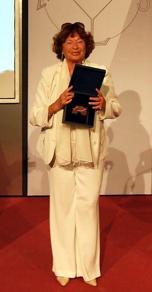 Inge Feltrinelli - Inge Schönthal–Feltrinelli receiving the 2011 Charlemagne Medal for European Media