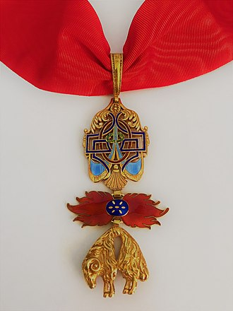 Order of the Golden Fleece - Insignia of a Knight of the Order of the Golden Fleece of Spain. Modern manufacture, Cejalvo (Madrid).