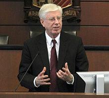 Iowa procurador-geral Tom J Miller.jpg