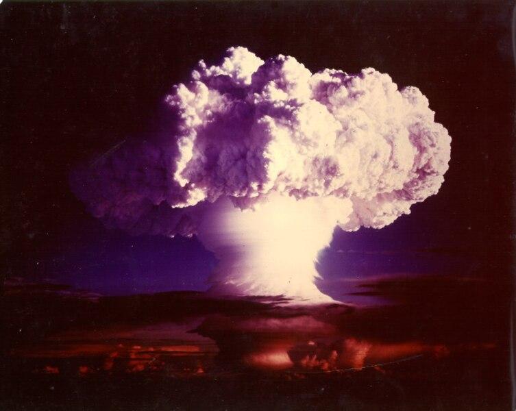 Explosión de la bomba termonuclear Ivy Mike (1 de noviembre de 1952).