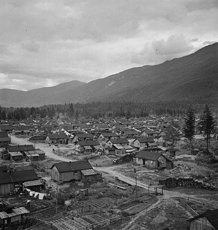 Internment camp for Japanese Canadians during World War II Japanese internment camp in British Columbia.jpg
