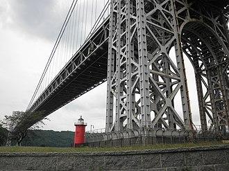 Fort Washington Park (New York City) - Image: Jeffrey's Hook Lighthouse 18
