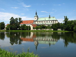 Gmina Jemielnica - Image: Jemielnica kosciol klasztorny 1