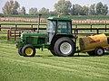John Deere 2140 Tractor - geograph.org.uk - 1265731.jpg