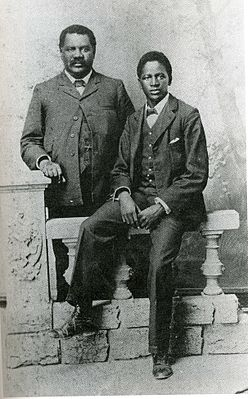 John Tengo Jabavu and his son Davidson Don Tengo, around 1903.jpg