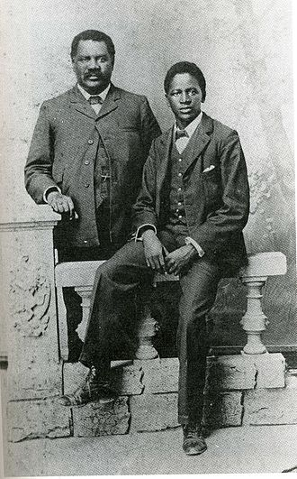 Fengu people - John Tengo Jabavu, an influential Fengu politician of the early 20th century, with his son Davidson Don Tengo, around 1903