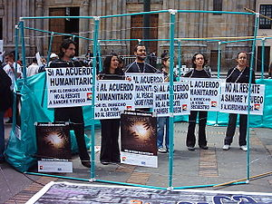 Kidnappings in Colombia - Colombian protesters against kidnappings and  military rescue operations of FARC hostages