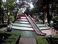 Juego en Parque Miraflores, San Pedro de los Pinos.jpg