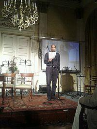 Kálid Artúr színművész Szervác versét szavalja.jpg