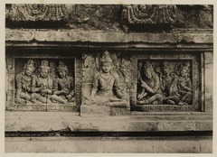 KITLV 40052 - Kassian Céphas - Reliefs on the terrace of the Shiva temple of Prambanan near Yogyakarta - 1889-1890.tif