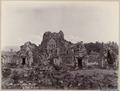 KITLV 40196 - Kassian Céphas - North side of Tjandi Sewoe - 1902.tif