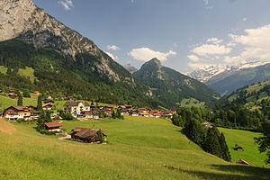 Reichenbach im Kandertal - The village of Kiental and the valley of the Chiene river.