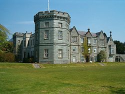 KilmoryCastle(PatrickMackie)May2006.jpg