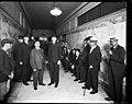 King County Sheriff Matt Starwich with murderer James Mahoney, Seattle, 1921 (MOHAI 4101).jpg