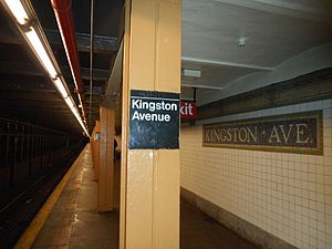 Kingston Ave - IRT Eastern Pkwy; Helvetica Pillar.JPG