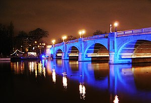 Kingston Bridge at night.jpg