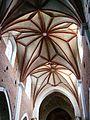 Kościół, ob. par. pw. św. Jana Ewangelisty, 2 poł. XI, XIII-XVI-XVIII wnętrze (10).JPG
