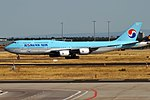 Korean Air, HL7637, Boeing 747-8B5 (44389249911).jpg