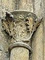 Kouřim, kostel sv. Štěpána, okrasná hlavice (004).jpg