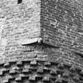 Kraagsteen van torentje, voorgevel - Hernen - 20108989 - RCE.jpg