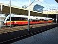 Krakov, Stare Miasto, nádraží Kraków Głowny, příměstský vlak.JPG