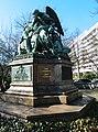 Kriegerdenkmal (rechts) - panoramio.jpg
