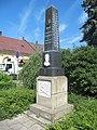 Kyselovice, pomník.jpg