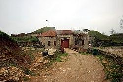 L'entrée du fort de la Pointe de Diamant.jpg