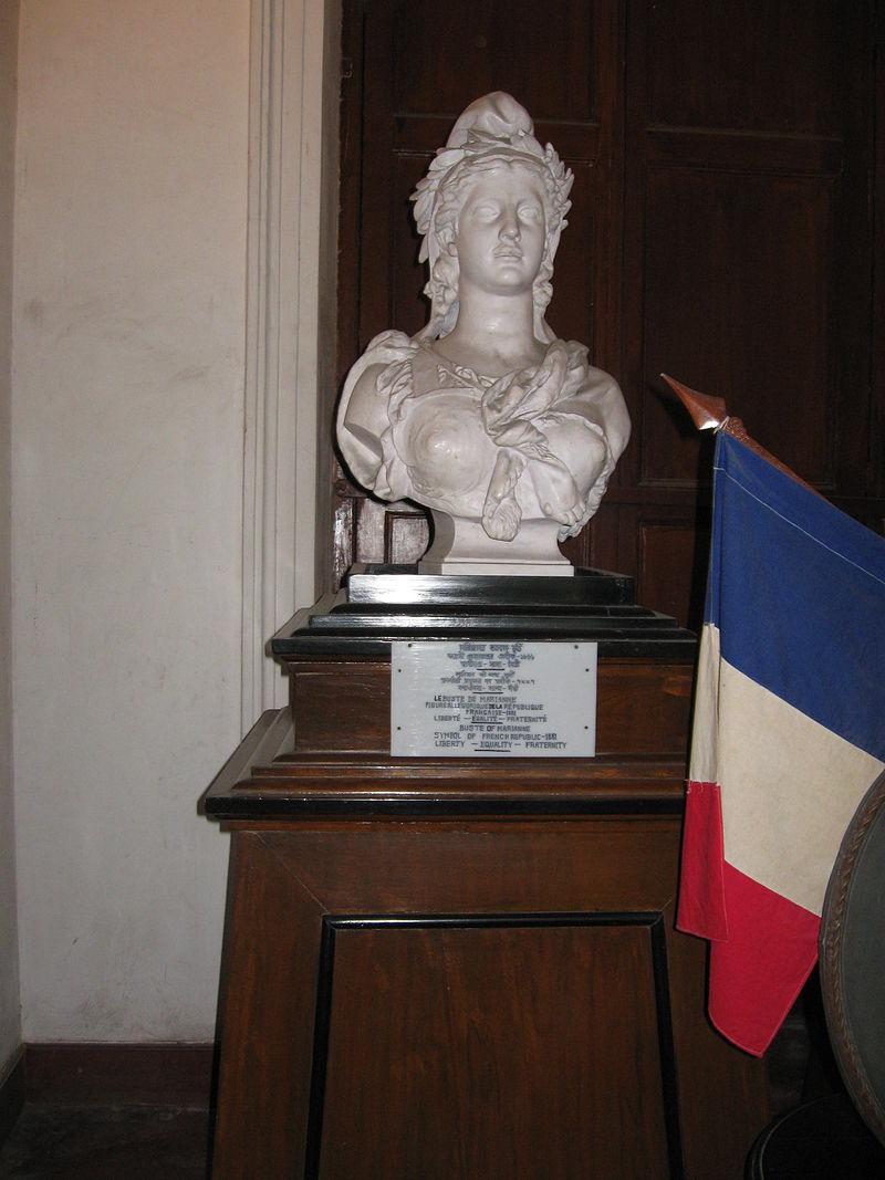 LEBUSTE DE MARIANNE.JPG