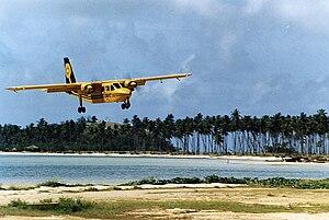 Landing on Malololailai, Fiji, 1986 - Flickr - PhillipC.jpg