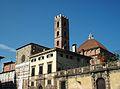 Lateral de l'església de Santi Giovanni e Reparata, Lucca.JPG