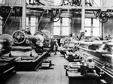 Lathes in the gun shops, Naval Gun Factory, Washington Navy Yard, Washington D.C. (25056962053).jpg