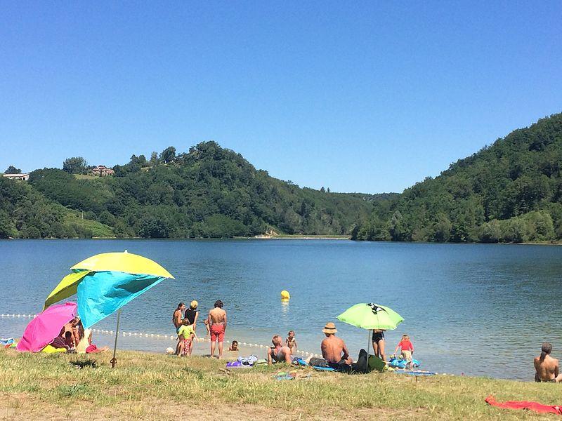Retenue collinaire proche de Labastide-de-Sérou, lieu de baignade en été