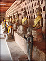 Lintérieur du cloître du Vat Sisaket (Vientiane) (4341373867).jpg