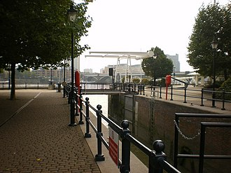 Chelsea Harbour - Lock, entrance into Chelsea Harbour