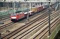 Lok 189023-5 bij Zevenaar vanaf de Betuwelijn (8599028136).jpg