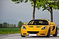 Lotus Elise (17342498912).jpg