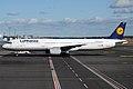 Lufthansa, D-AISW, Airbus A321-231 (16455994932).jpg