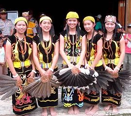 Lun Bawang girls in traditional costumes