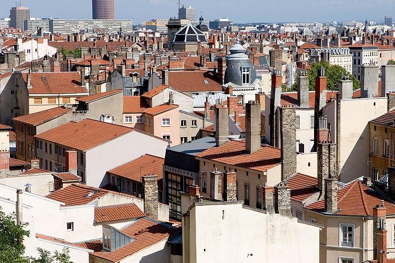 File:Lyon toits 01.jpg