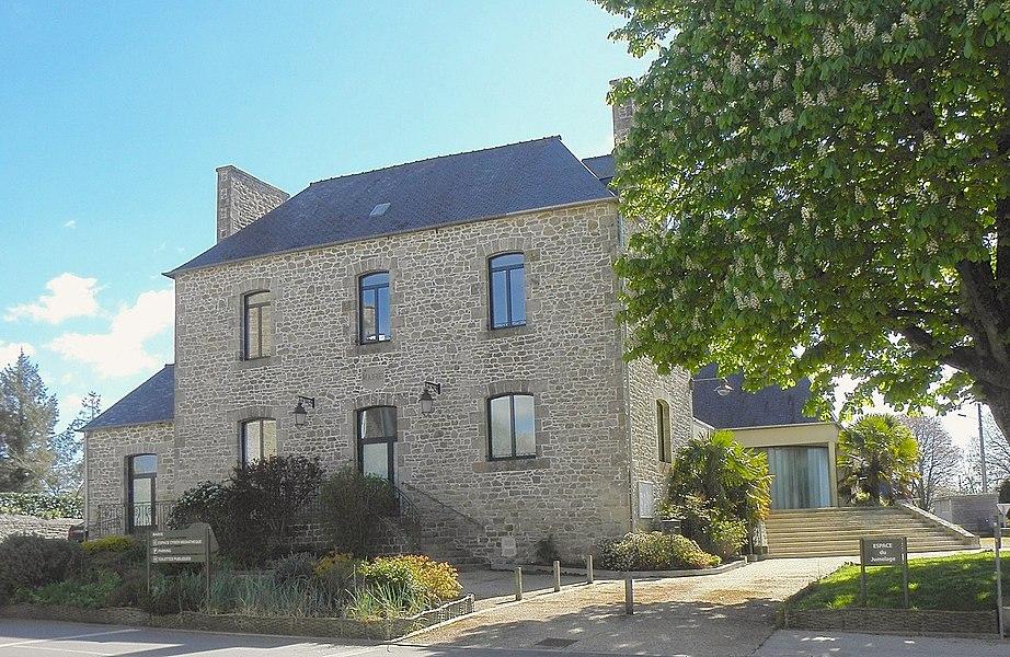 Mairie de Mégrit (22).