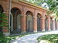 München Alter Nordfriedhof Arkaden.jpg