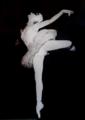 """Manuela Varella Cid no bailado """"A morte do cisne"""" em 1959.png"""