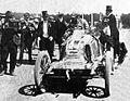 Marcel Renault après la dernière étape de Paris-Vienne 1902.jpg