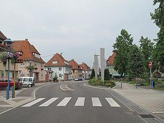 Marckolsheim - Image: Marckolsheim, straatzicht Rue du Mal Foch bij Rue Clemenceau foto 1 2013 07 24 14.16