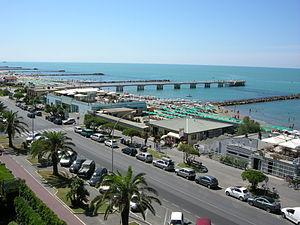 Ligurian Sea - Image: Marina di massa, veduta 02