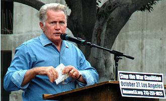 Martin Sheen - Martin Sheen at an anti-war protest in October 2007