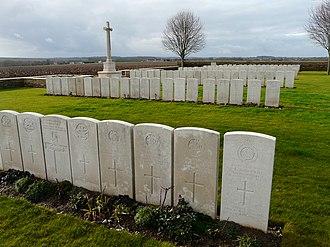 Masnieres British Cemetery - Image: Masnières British Cemetery (3)