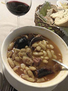 Cómo se hace la Fabada asturiana