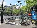 Metro de Paris Victor Hugo entree.jpg